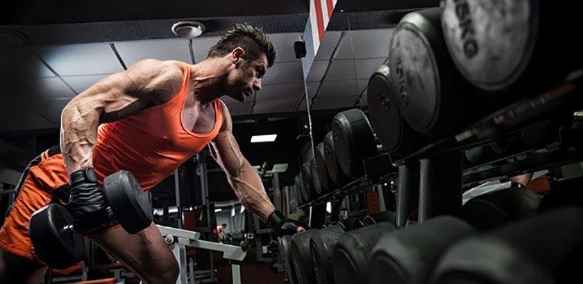 exercice triceps haltere